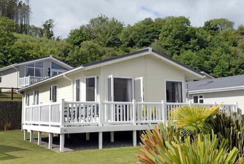 Luxury Lodge near Wiseman's Bridge & Saundersfoot