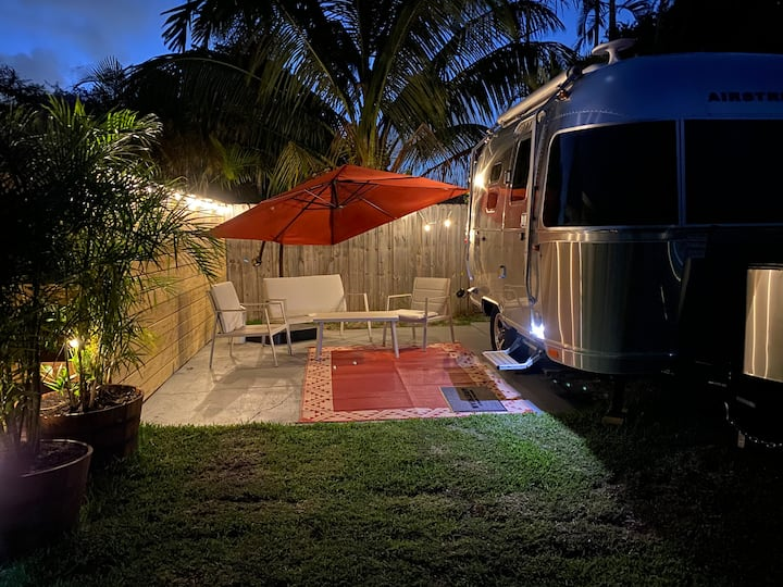Unique Premium In-Style Airstream w/outdoor Cinema