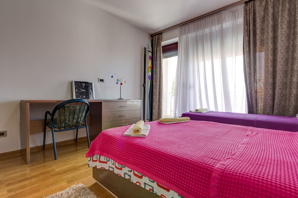 A beautiful double room that will give you the feeling of complete comfort.