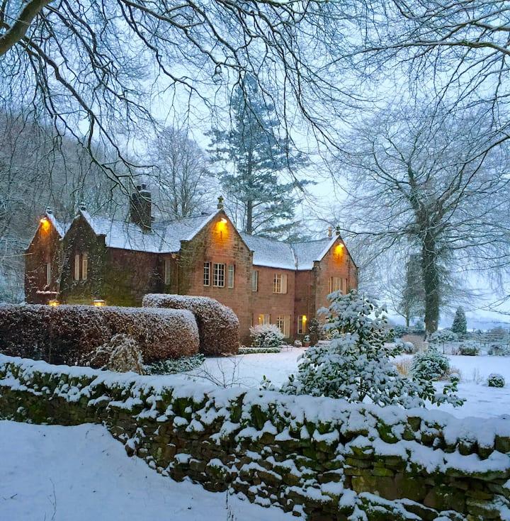 Room 1 Trigony House, South West Scotland