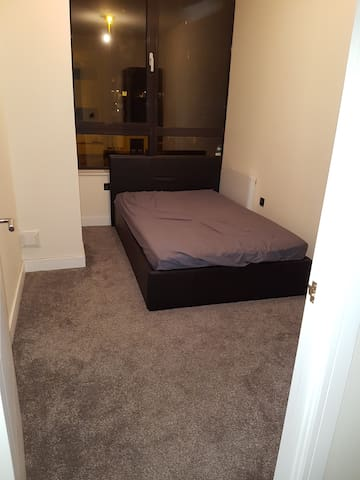 Double Bedroom Available in Sunbury
