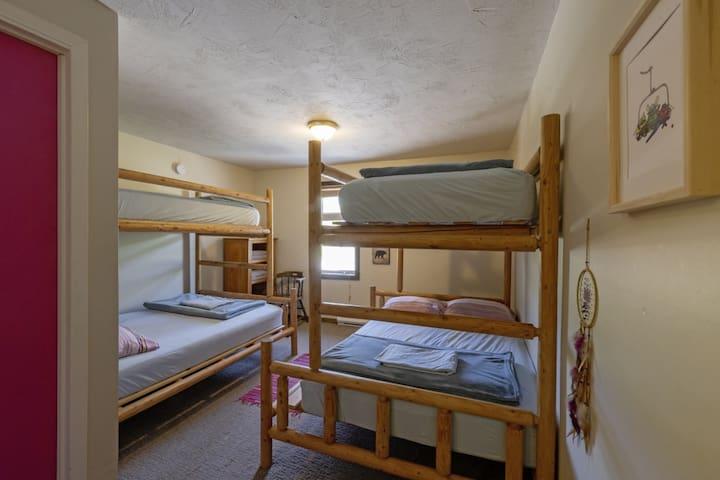Dreamcatcher Hostel - Private family room