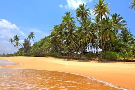 Muhudu Niwasa SriLanka Beach House - Tangalle