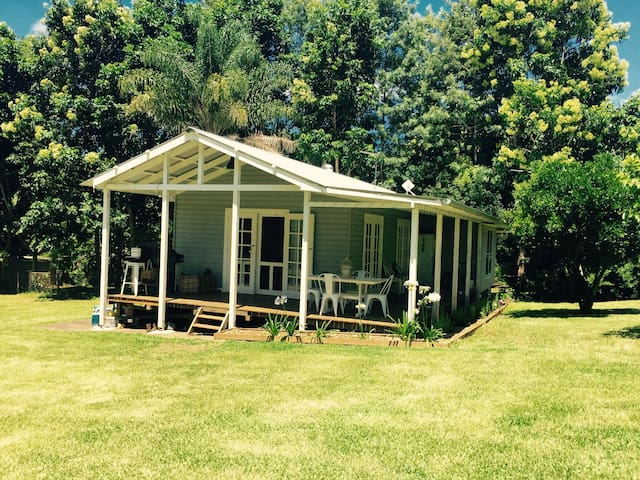 Lennox Head Hinterland cottage - Teven - House