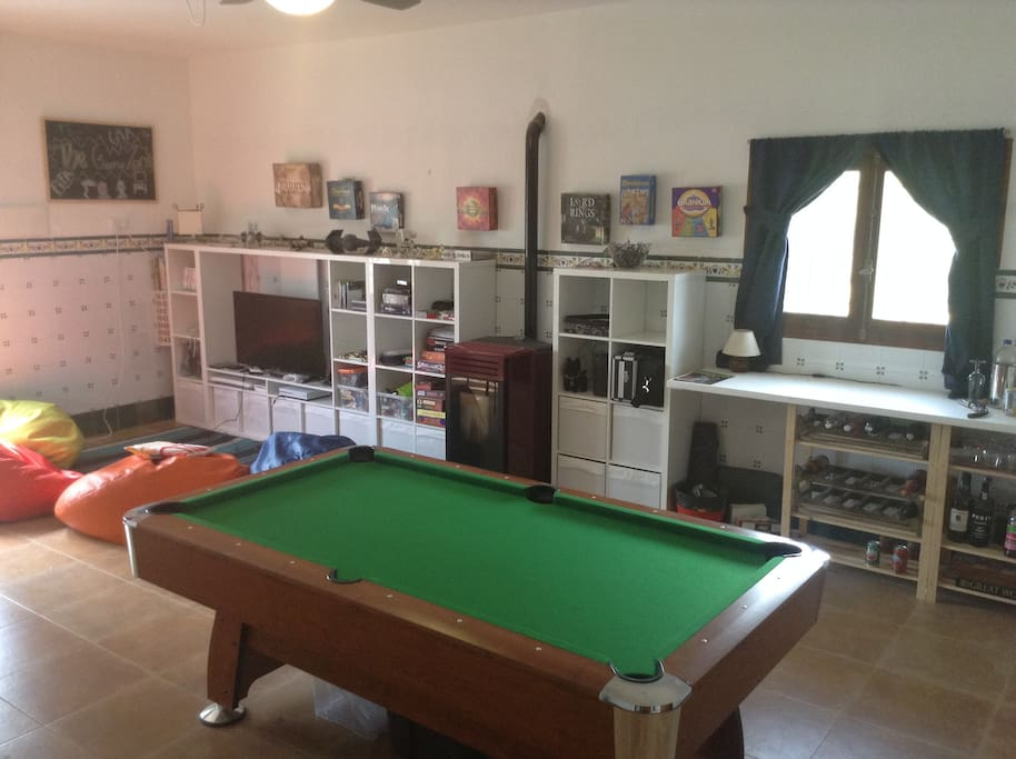 Games room - pool table, card table, Xbox, apple tv