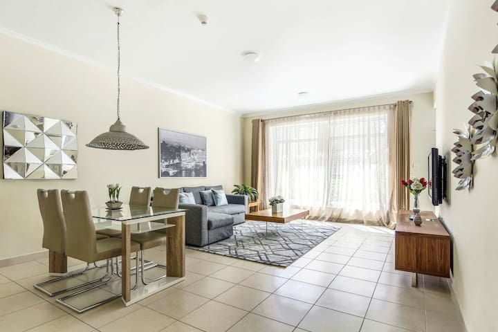 One bedroom Burj View apartment.