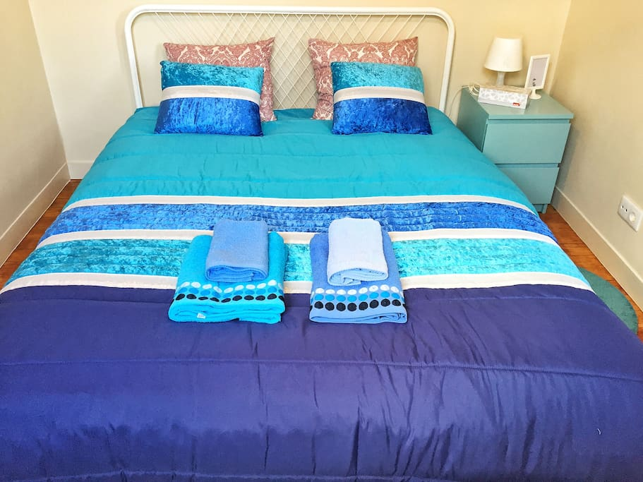 Blue Room with double bed