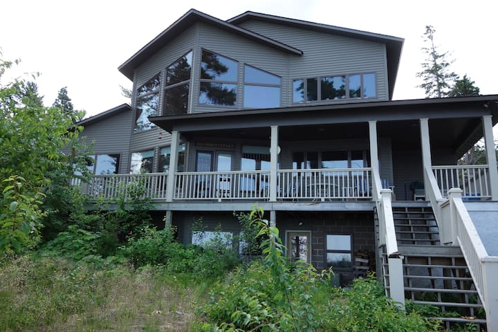Spacious Lake Superior House on the beach - Houghton Township - Huis