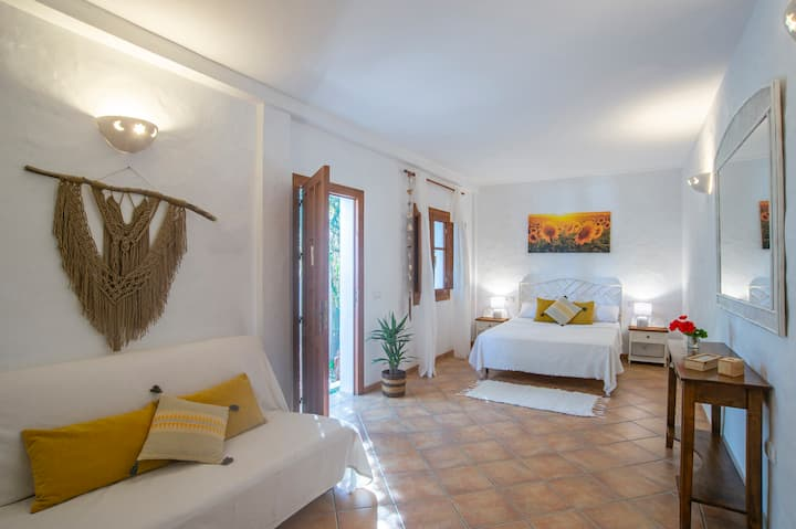 Finca la Palmera B&B - Junior Suite (sleeps 4)