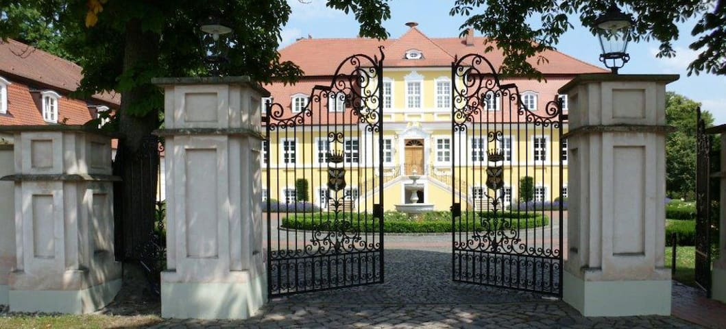 Appartement am Bismarck-Schloss Döbbelin