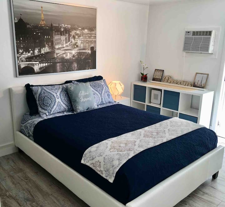 #1 Beautiful Studio fully furnished at Mobile Home