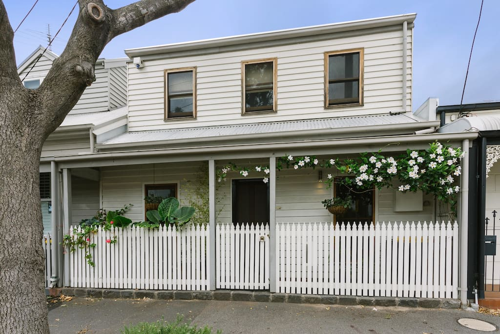 Quiet cottage family home maisons louer port - Maison entrepot melbourne en australie ...