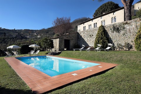 Villa de Thomasis, Lucca