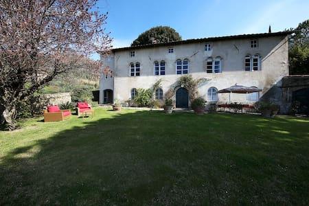 Villa de Thomasis, Lucca (Tuscany) - Matraia - Villa