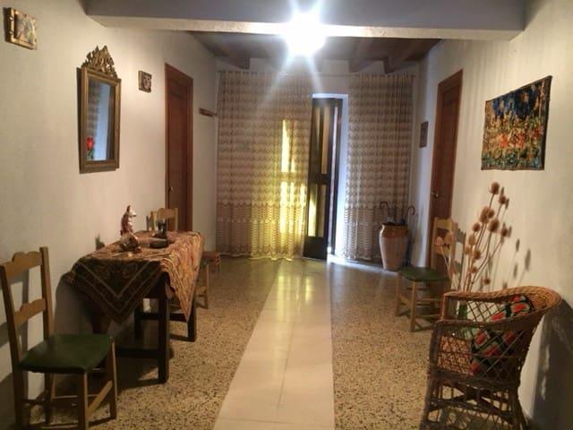 Encantadora casa típica de pueblo