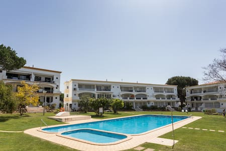 Peaceful & lovely 2 bedroom apartment at Vilamoura