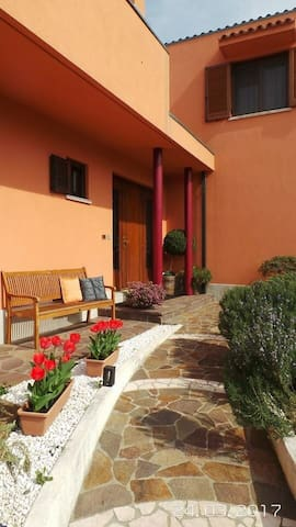 Accommodation with garden near Trieste & motorway - Trieste - Villa