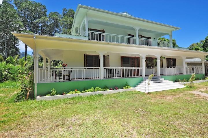 Petie Baie Superior Villa