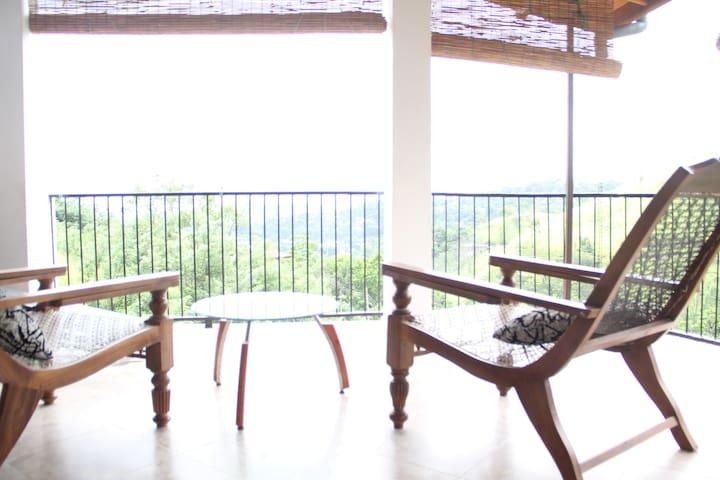 Birdwatch Villa Kandy