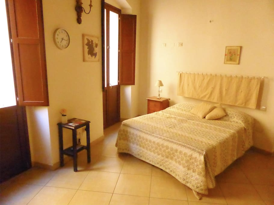 Double room with master bath poetto chambres d 39 h tes for Chambre d hote italie
