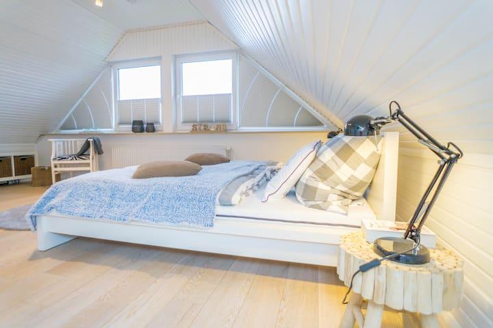Große Wohnung  in perfekter Lage mit Balkon!