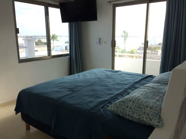 Brand New 2 storey Penthouse Apartment Downtown - Isla Mujeres - Apartment