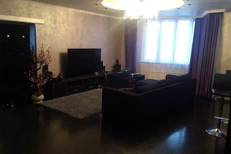 Большая Бутик Студия (2 спальни+1) - Zelenograd - อพาร์ทเมนท์