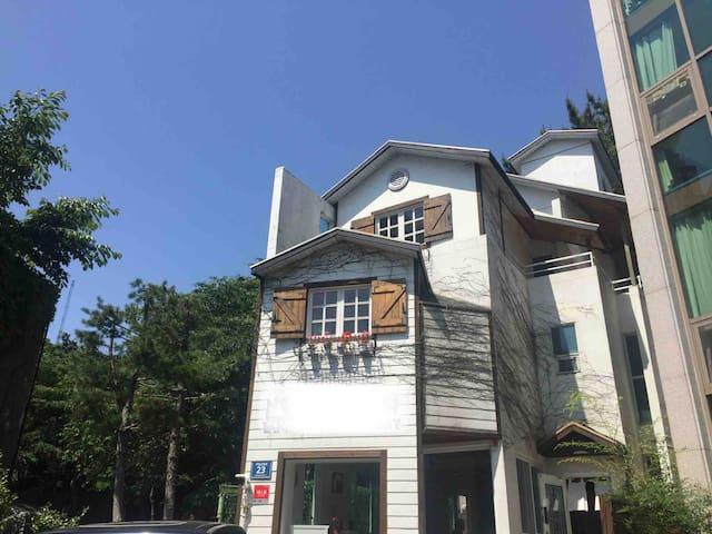 Haeundae #Artistic House