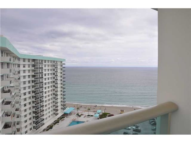 2 bed room on the beach - Hollywood - Appartement
