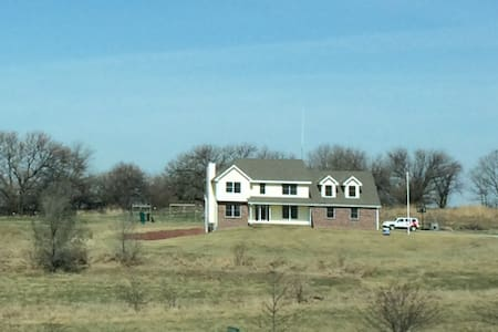 Serene Acreage 30 mins from downtown Omaha - Plattsmouth - House
