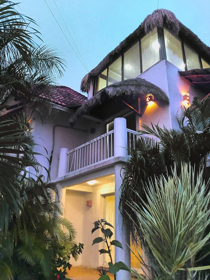 La Casa de las Golondrinas Oceanfront