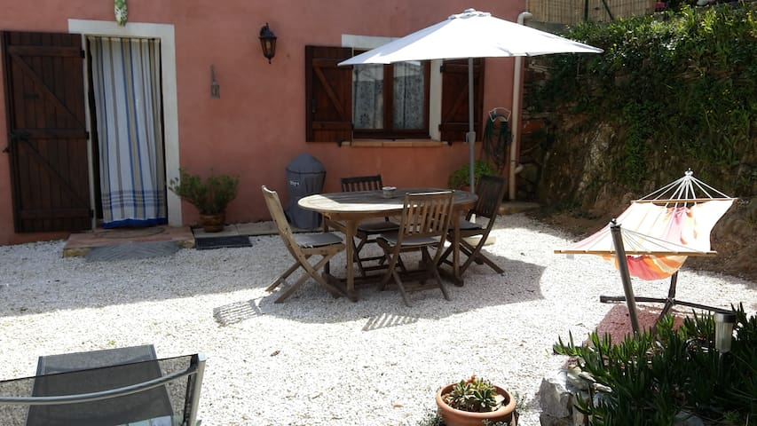 lovely villa and private garden - La Seyne-sur-Mer - Casa