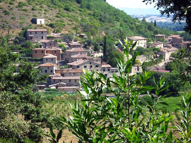 Country village near Siena Tuscany - Sovicille - Apartament