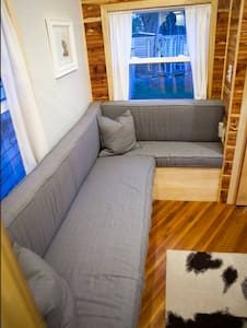 Chic Tiny House in Omaha Nebraska - Gretna - Cabin