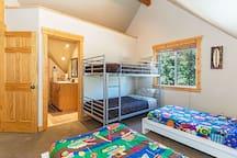 Alternate view of the kid's bedroom