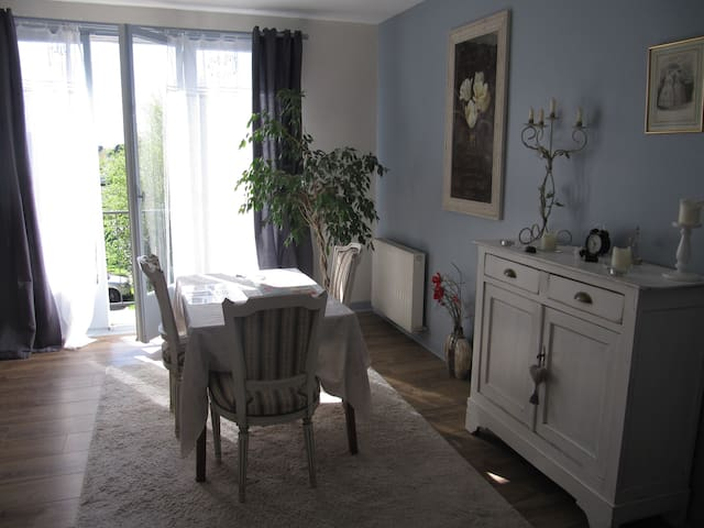 Cosy and bright flat (58m2) - Bihorel - Leilighet