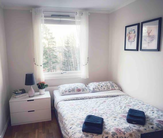 Tidy room, private bathroom, 15 min to Oslo centre