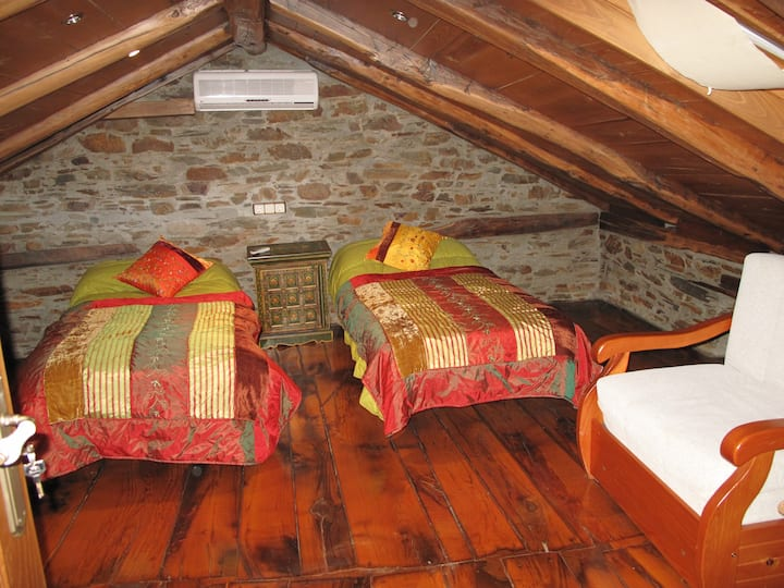 Casa do Catalán, habitación  triple. 60 eur. noche