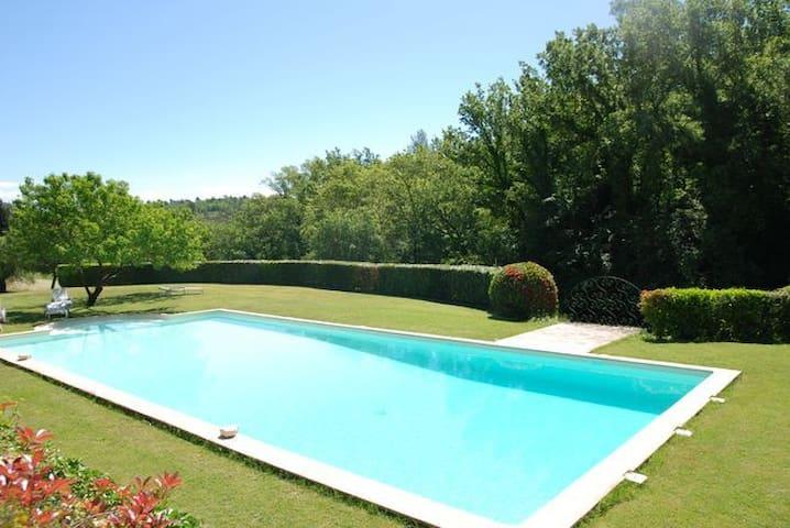 Mas dans bastide bourgeoise,piscine, tennis - Tourrettes - Hus