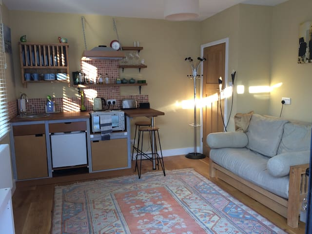 Self contained suite - 3 min walk to train station