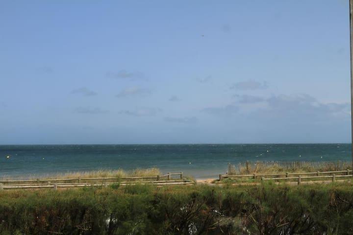 Cosy family house/sea view!