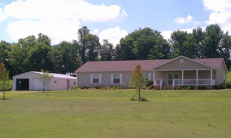 Louisville/Derby - home in country - Lawrenceburg - Casa