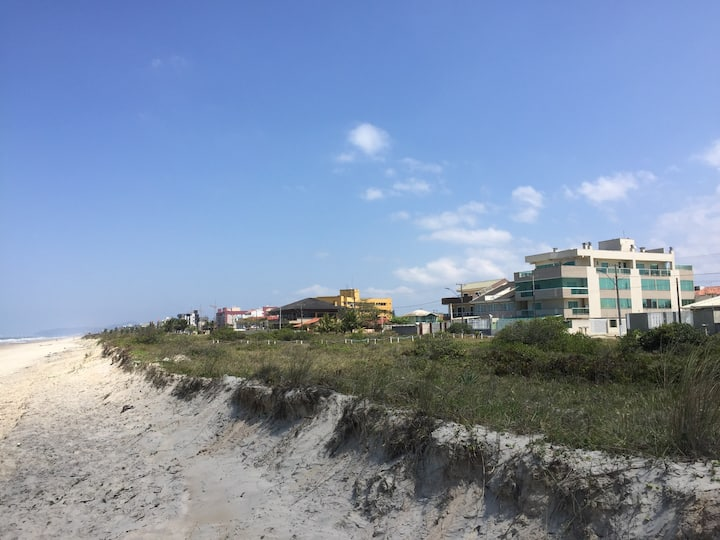 Flat - Frente pro mar - Balneário Monções