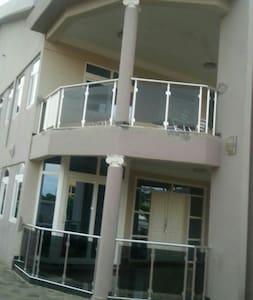 Bella Villa - Accra, East Legon - Talo