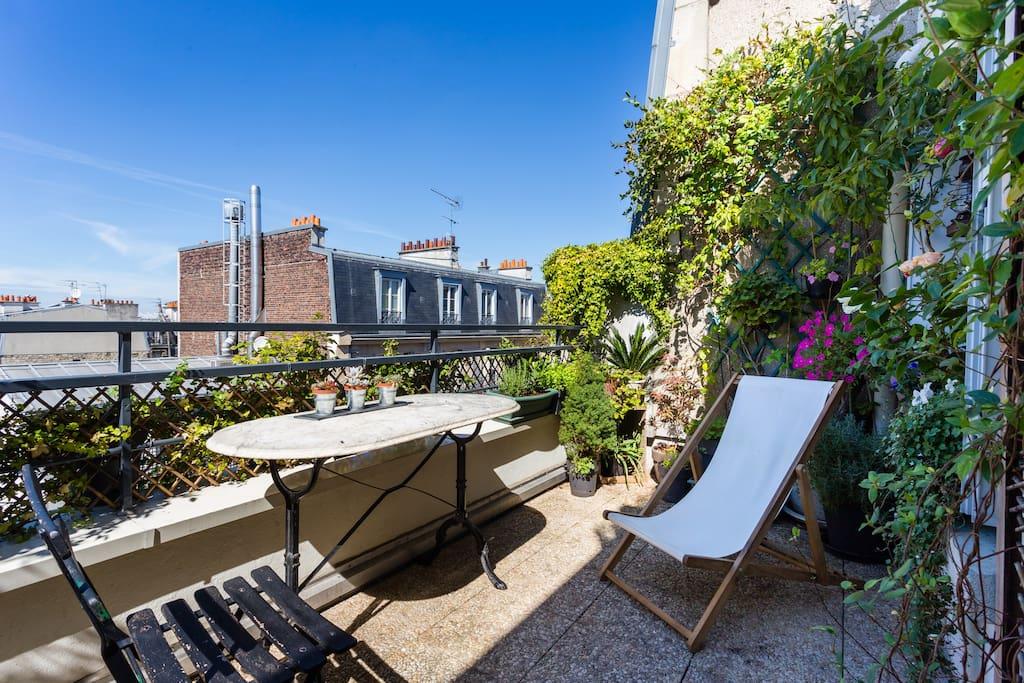 appartement avec terrasse fleurie et ensoleill e appartements louer paris le de france. Black Bedroom Furniture Sets. Home Design Ideas