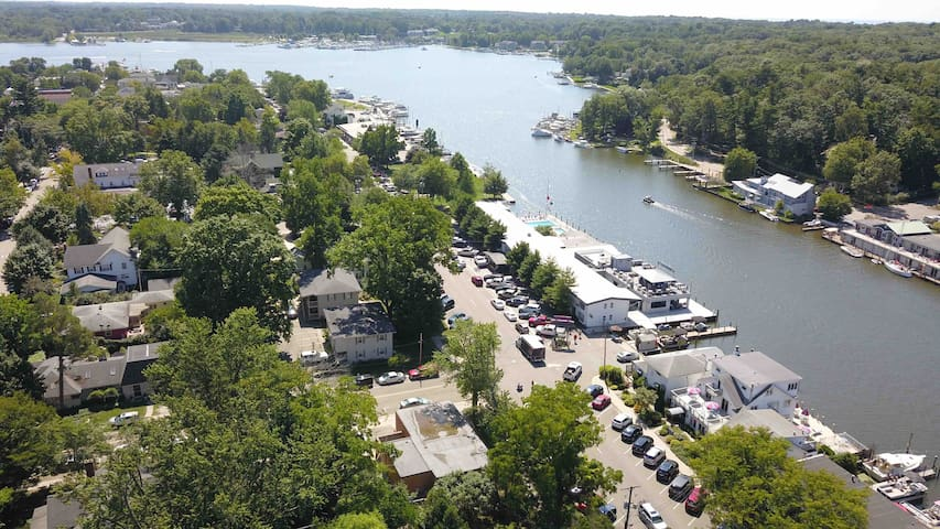 Robyn's Nest Riverside #7 ❤️of Downtown Saugatuck