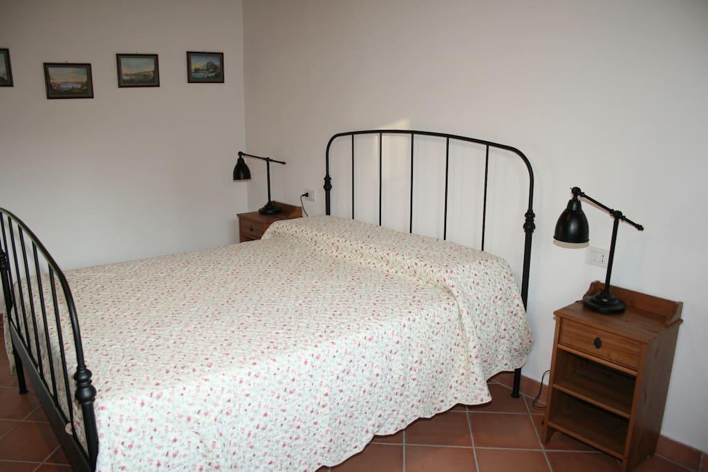 camera da letto centrale.