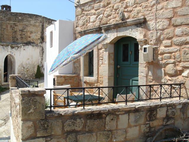 Depaysement total en Crete - Vori - Hus