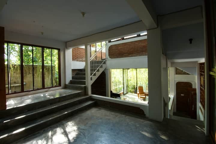 Pagupon Prima - Room facing balcony