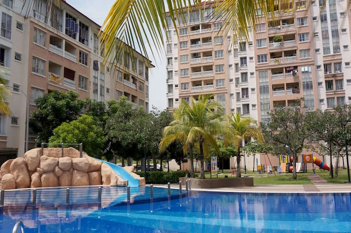 Cozy 3 Rooms Apartment - Puchong - Apartment